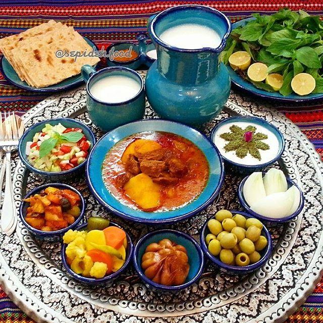 غذا سمبل و برندی برای معرفی مقصد گردشگری