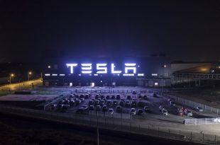 برند تسلا دومین خودروساز برتر جهان